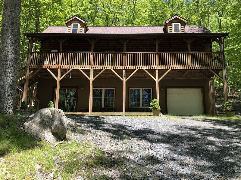 BEECH MOUNTAIN RENTAL~Perfect for Families/Pet Friendly, holiday rental in Beech Mountain
