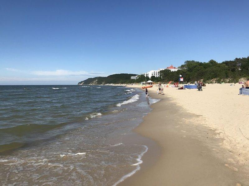 Zentral gelegene 4-Zimmer-Wohnung 100m vom Strand, holiday rental in Lukecin