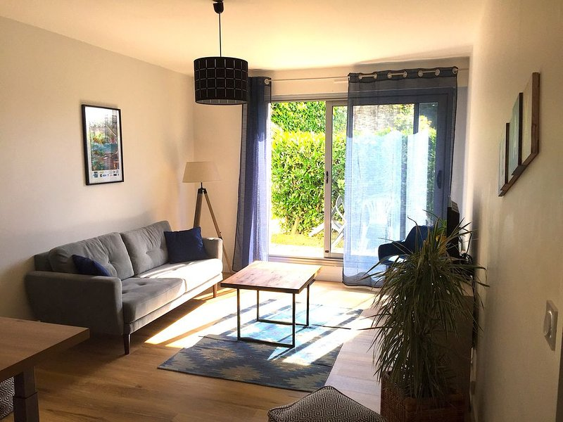 T3  Port de Vannes + jardinet + parking privé, casa vacanza a Vannes