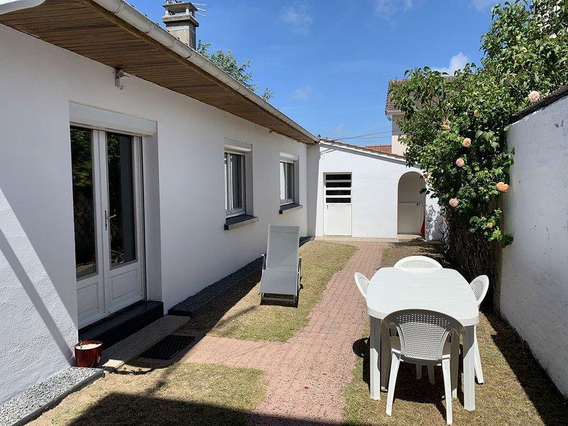 LOCATION BERCK-PLAGE MAISONNETTE AVEC JARDIN CLOS, casa vacanza a Rang-du-Fliers