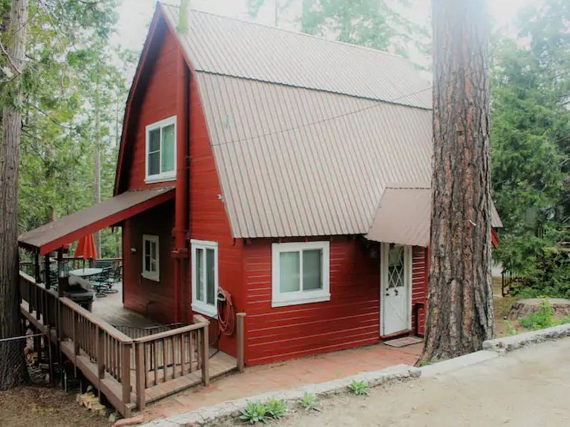 Mountain Getaway in the Heart of Shaver Lake, holiday rental in Auberry