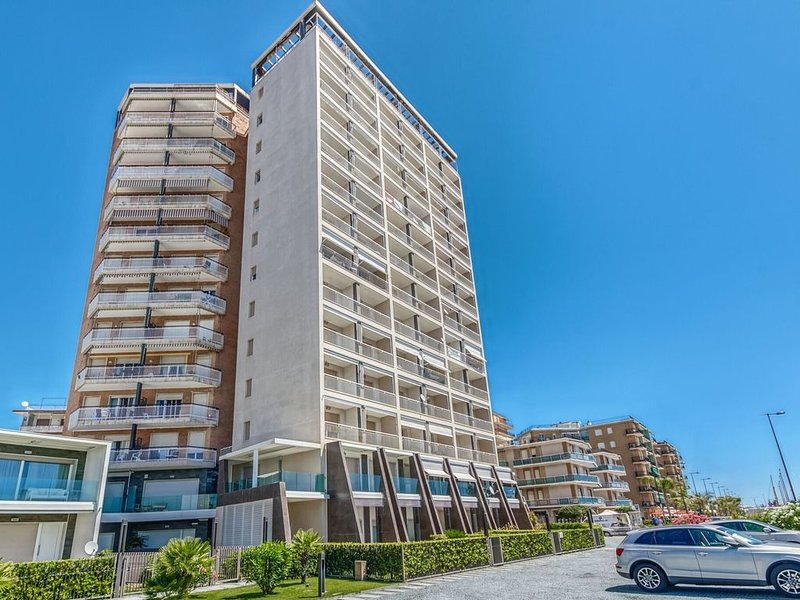 Inviting Apartment Arma di Taggia near Vittorio Beach, vacation rental in Arma di Taggia