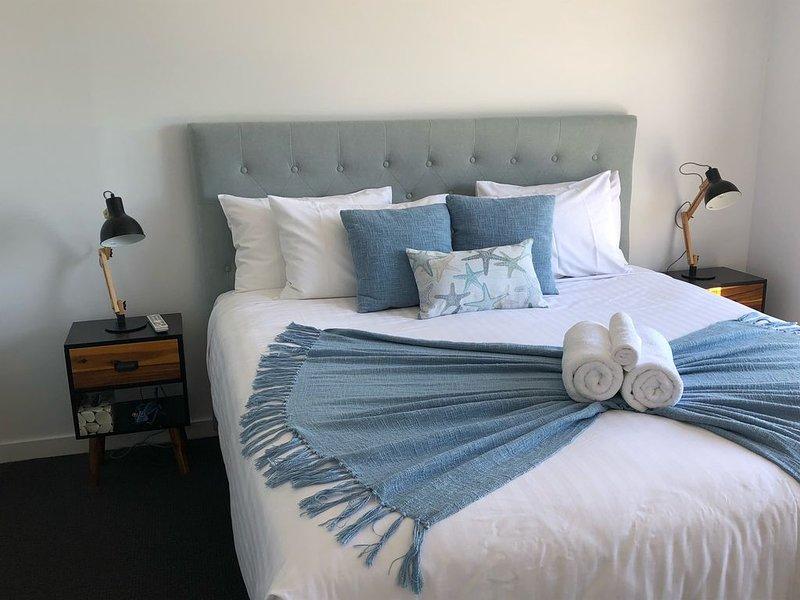 BINALONG BRAE Bay of Fires 2 bedroom with en-suites, location de vacances à Binalong Bay
