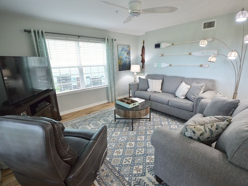 Prettiest Condo in Town 1 Block to Marina/Downtown!, vacation rental in Cedar Key