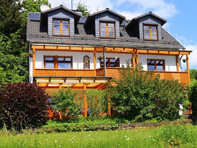Ferienwohnung Stiftskirchenblick, aluguéis de temporada em Niestetal