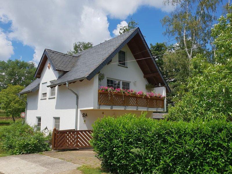 Traumferienhaus auf idyllischem Reiterhof Nähe Burg Eltz, location de vacances à Munstermaifeld