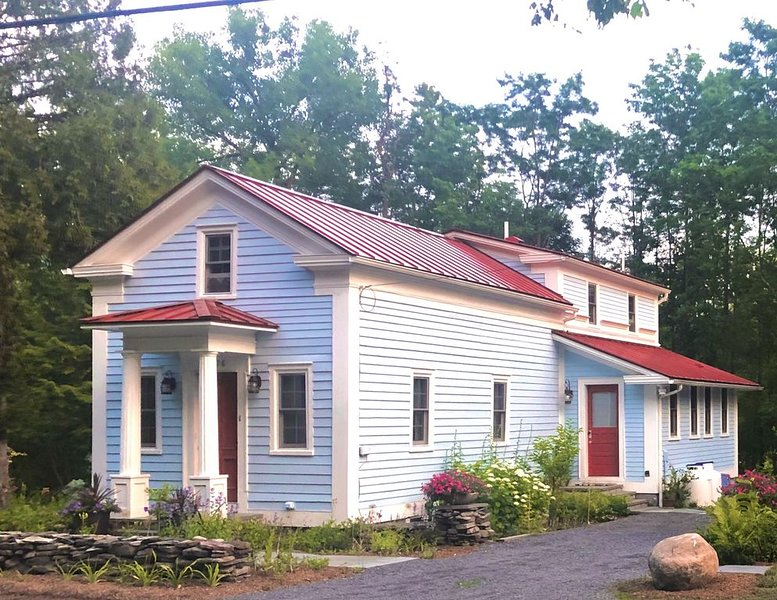 Greek Revival cottage, vacation rental in Gallupville