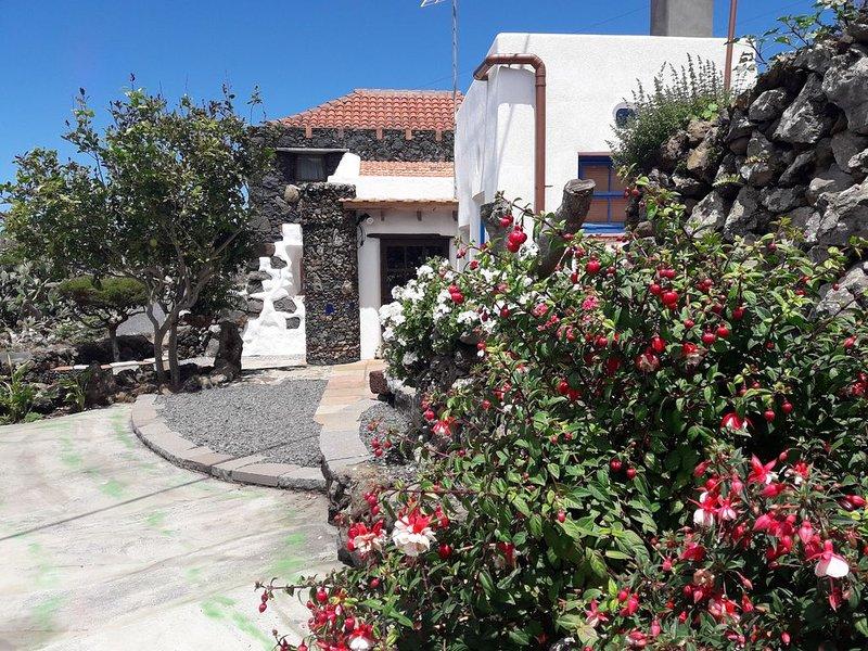 Casa 'El Vallito'  tranquilidad en la Isla del meridiano, vacation rental in Isora