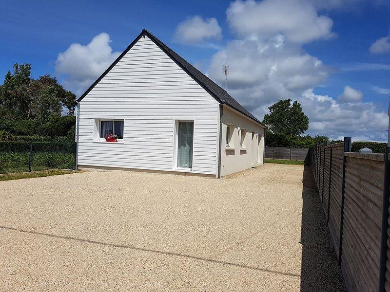 A 200 mètres de la plage de PORS CARN, maison neuve 3 étoiles de plain pied, location de vacances à Penmarch