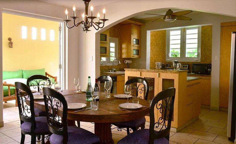 Villa Serena - Three Bedroom House, Sleeps 8, vacation rental in San Juan