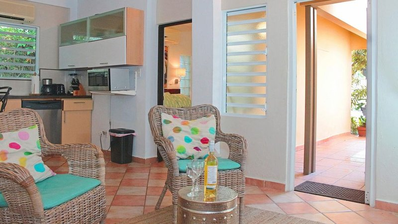 Serena Baja - One Bedroom Apartment, Sleeps 4, holiday rental in San Juan