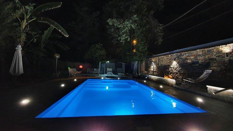 Villa con piscina e giardino. Palermo-Mondello (spiaggia), holiday rental in Alimena