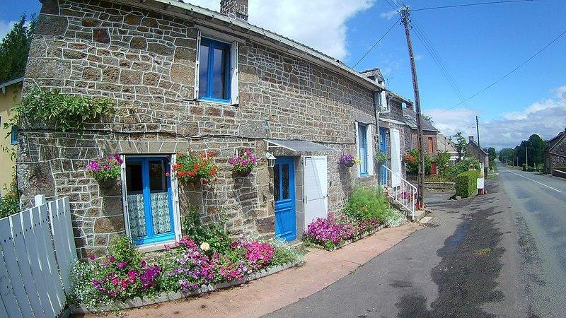 Gîte de LA LANFRAYERE, chez Marie et Emmanuel, location de vacances à Saint-Fraimbault