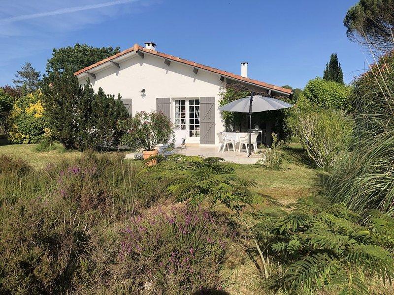 Maison 'Landaise', complètement renovée en 2020 très proche de Contis Plage, holiday rental in Bias