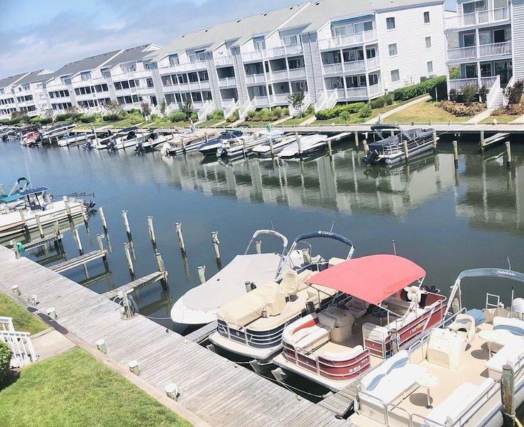 Cozy 1 Bedroom Bayside Condo, Canal Views, Short Walk to Beach & Northside Park, alquiler de vacaciones en Ocean City