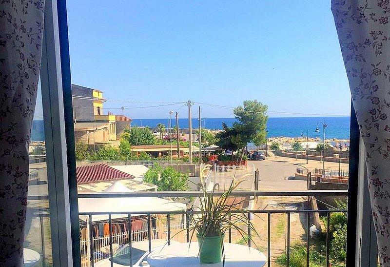 Casa Cianda B: Un accogliente appartamento situato a breve distanza dalla spiagg, Ferienwohnung in San Mauro Cilento