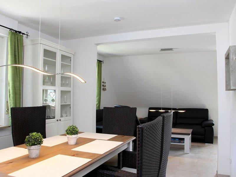 Ferienwohnung Olsberg mit Gartenterrasse, 100qm, 3 Schlafzimmer, max. 7 Personen, casa vacanza a Assinghausen