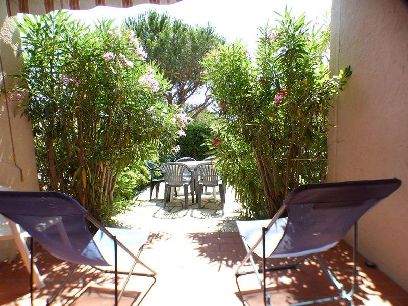 Grande terrasse, piscines, tennis, crique, plage..., vacation rental in Saint-Mandrier-sur-Mer