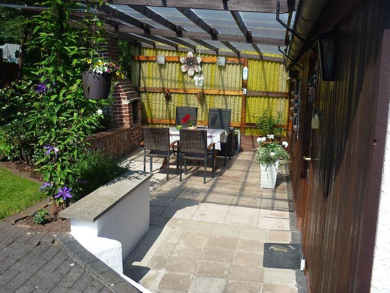 Ferienhaus mit überdachter Terrasse, vacation rental in Oberhof