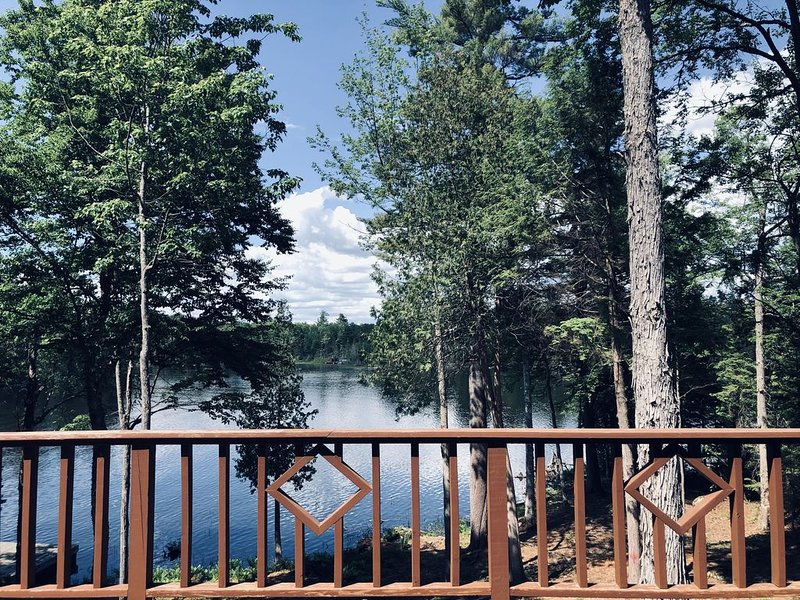 Oseetah Luxury Lakefront Lodge, holiday rental in Tupper Lake