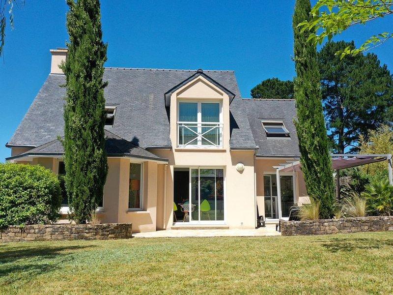 AQUARELLE, splendide maison de 4 chambres Vannes, casa vacanza a Sene