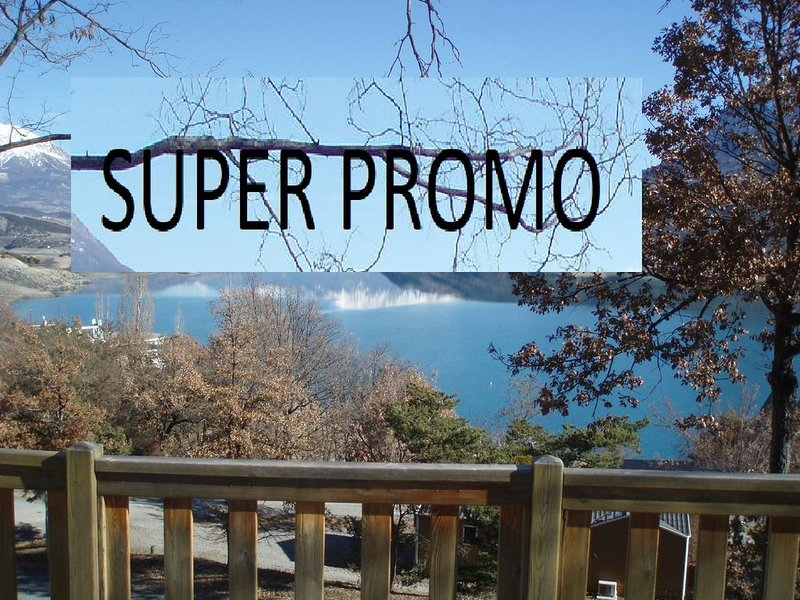 bungalow au bord du lac de Serre-Ponçon     SUPER PROMO  -25 %, holiday rental in St Vincent les Forts