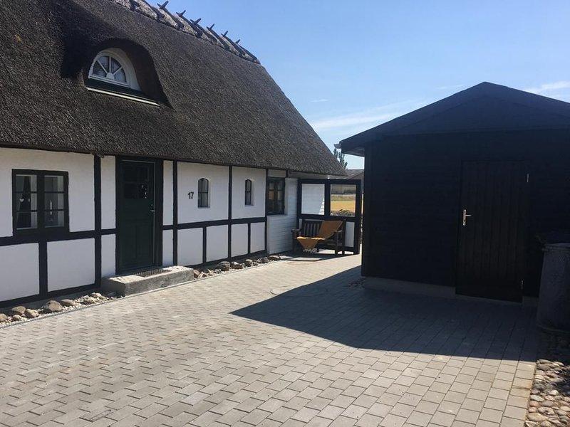 Reet Dach-Haus in der Nähe von der Ostsee- Südlichste Spitze von Dänemark, holiday rental in Gedser