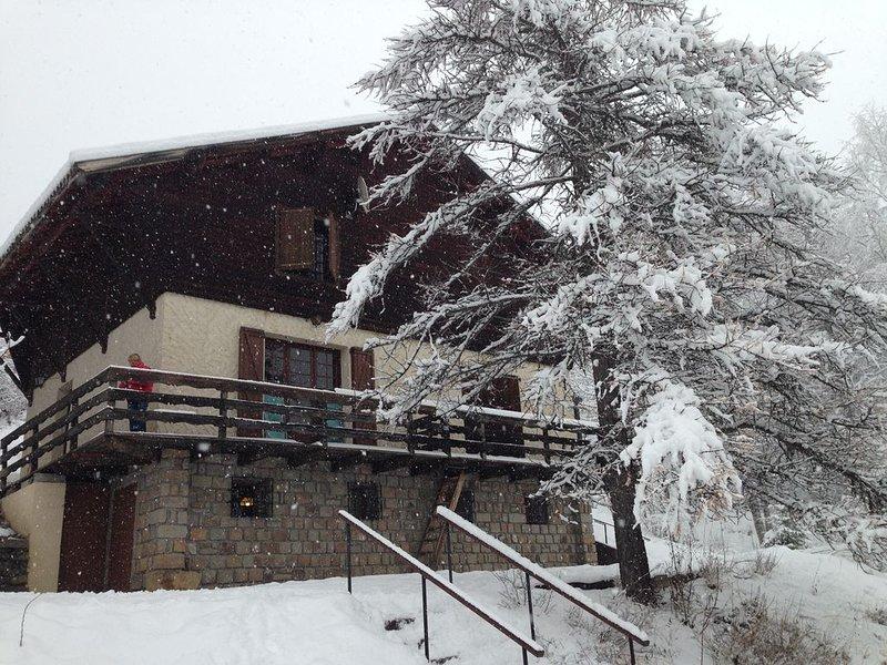 Super Allos Appartement en chalet rénové 6/8pers au calme wifi, location de vacances à Colmars