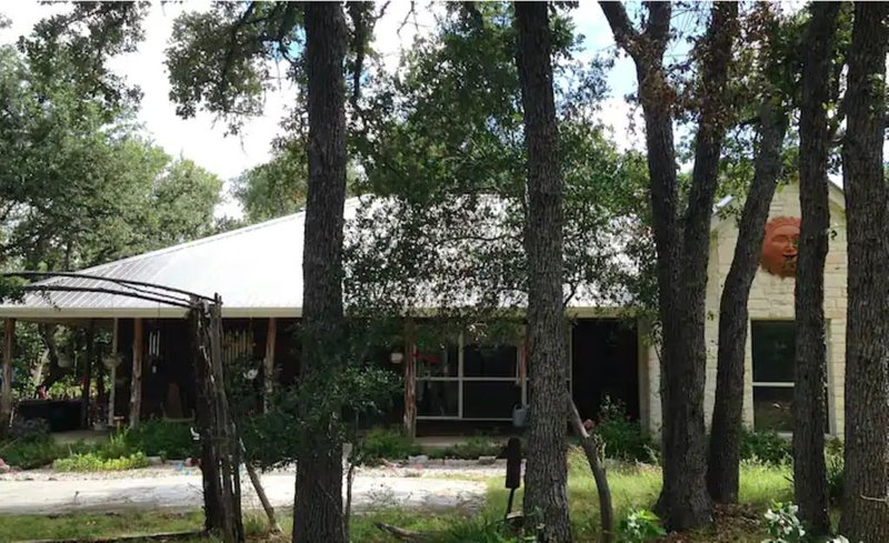 Country Living just 20 minutes from downtown, holiday rental in Manchaca