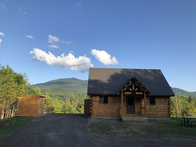 Pet Friendly cabin in East Burke - on the Kingdom Trails, vacation rental in Glover