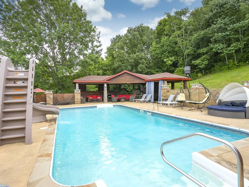 NEW! 'Outdoor Oasis'  You Will Not Need to Leave Home, vacation rental in Spring Hill