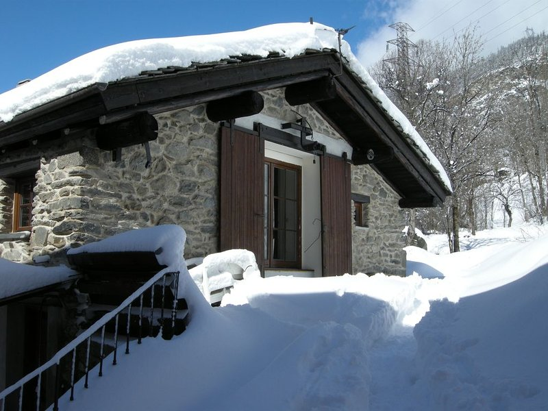 CHALET IN PIETRA 7 pers.  ORELLE - Sci VAL THORENS - estate escursioni/m.bike, holiday rental in Orelle