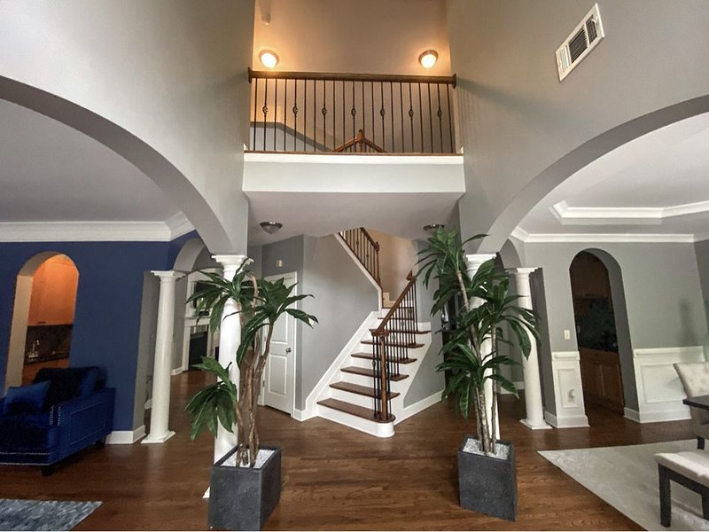 Spacious upscale house/20 minutes to downtown Atlanta/20 minutes to ATL airport, vacation rental in Stockbridge