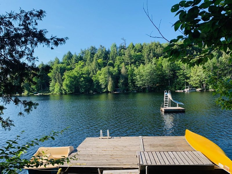 Beautiful Cottage near Haliburton and Muskoka - ~ 3 Hours from GTA, alquiler de vacaciones en Highlands East