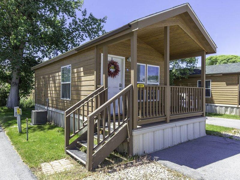 Cozy Cabin with Great Wasatch Views!, location de vacances à Mapleton