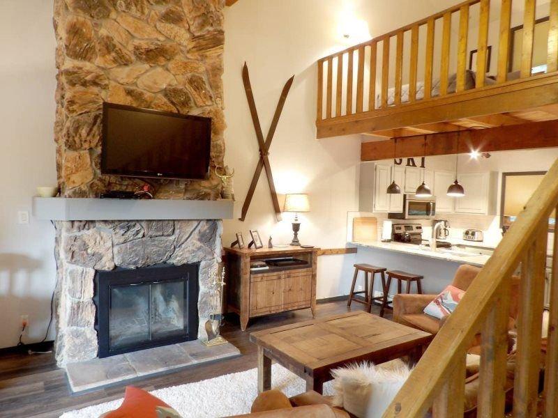 Gorgeous Mountain Condo, alquiler de vacaciones en Taos Ski Valley