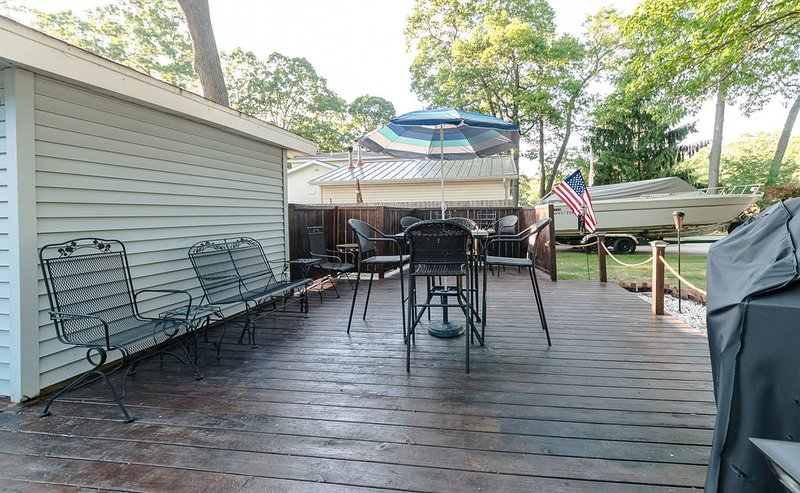 Private Getaway For Any Occasion!!, holiday rental in Spring Lake