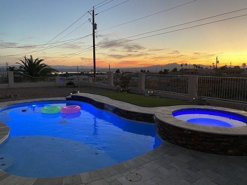Stunning Views with Pool & Spa, holiday rental in Lake Havasu City