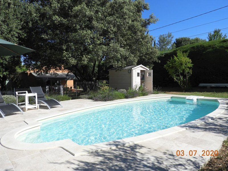 petite maison au pied du Ventoux, holiday rental in Flassan