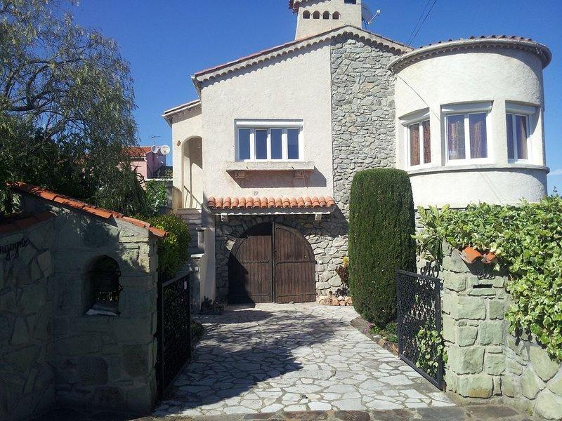 Appartement F3  avec vue sur mer  2 etoiles, holiday rental in Cavalaire-Sur-Mer