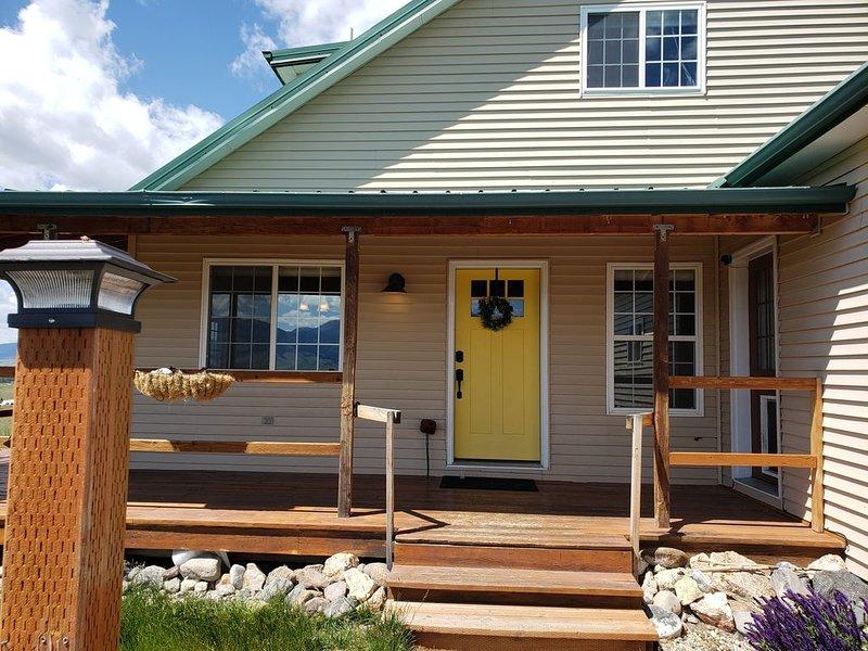 Yellowstone River & Valley Views, Foosball, Lots of Room! Air Conditioning!, alquiler de vacaciones en Emigrant