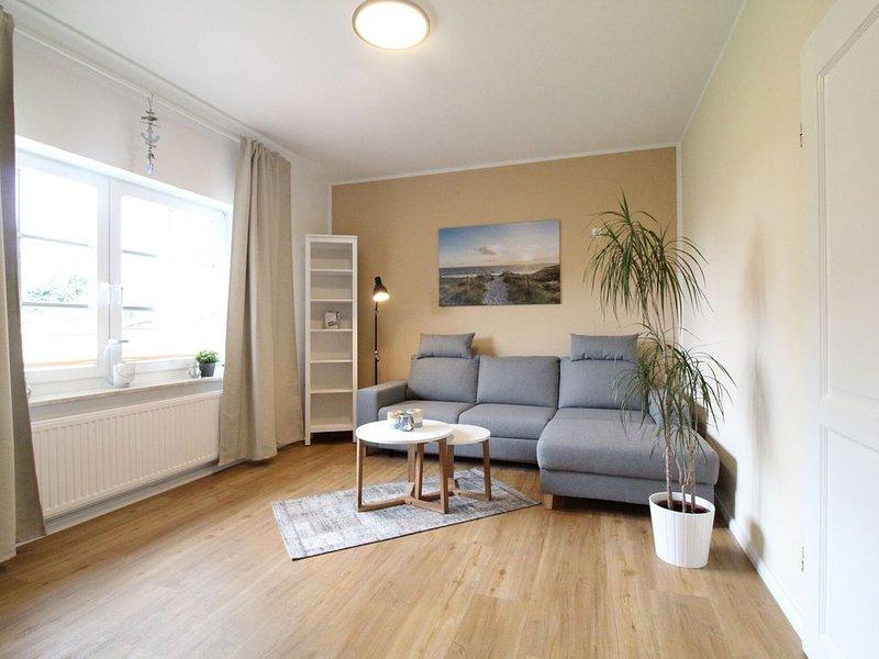 Charming Holiday Home in Robertsdorf on Baltic Coast, vacation rental in Blowatz