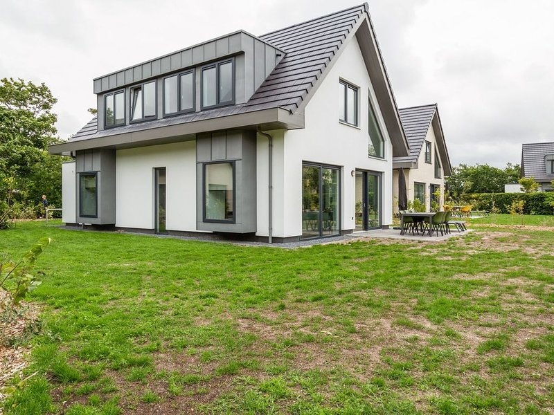 Gorgeous Holiday Home in Texel with Sauna, vacation rental in Den Burg