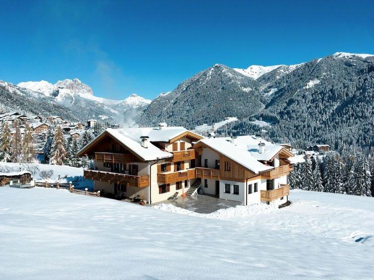 Apartment Casa Davarda  in Vigo di Fassa, Dolomites - 4 persons, 2 bedrooms, casa vacanza a Nova Levante