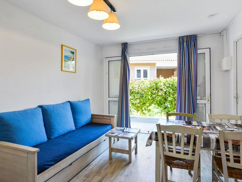 Résidence Debussy - Appartement 2 Pièces - Budget - (4 Personnes), holiday rental in Carnoux-en-Provence