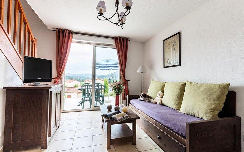 Résidence Le Domaine des Cazelles - Maisonnette 3 pièces 6 personnes Duplex, vacation rental in Cajarc