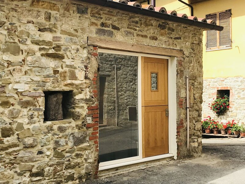 Serenity - A charming barn nestled in the Umbrian Hills, holiday rental in Montegiove