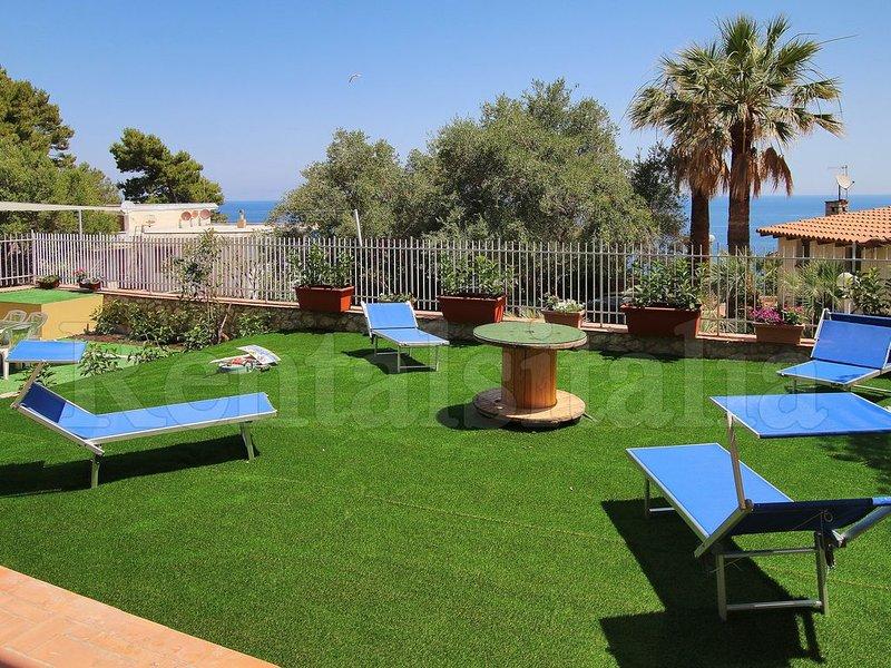 New 5 bedrooms Villa - Sea View, Wi-Fi, Solarium, near the Sea,  Near Palermo, holiday rental in Bagheria