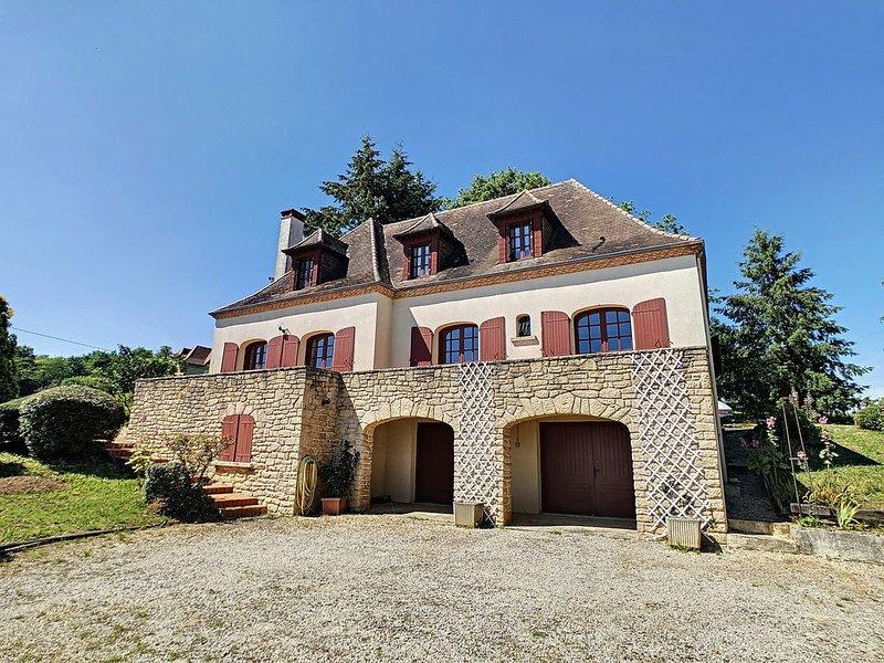 Balcon sur la campagne du Périgord vert, vacation rental in Juillac