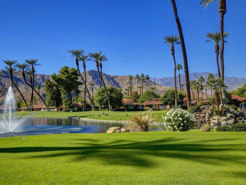 January 2021 AVAILABLE now! Golf Course Condo, alquiler de vacaciones en Rancho Mirage